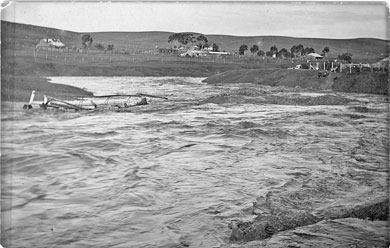 Ruins of Burra's Pig and Whistle bridge swept away in the 1890 flood