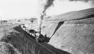 Train passing through cutting just north of the Show Grounds in the 1920s