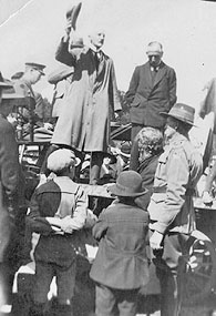 "P.M. ""Billy"" Hughes at the unveiling of 