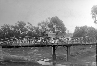 Kingston Street bridge in the 1890s