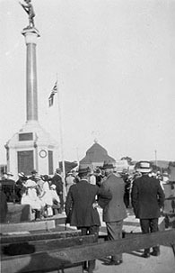 the Fallen Soldiers'        Memorial in Market Square, Burra, during its 1922 unveiling