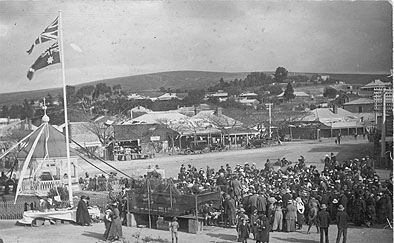 Fund raising activity in Market Square, Burra, during WWI